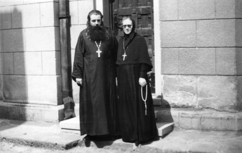 Игуманија Ангелина Грачева и протојереј Василиј Тарасјев у манастиру Ваведењу