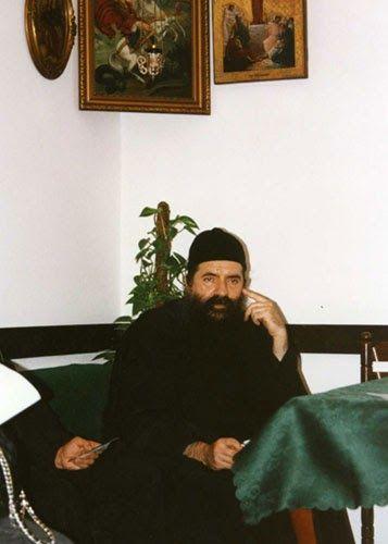 Отац Лука у конаку манастира Ваведења