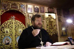 Свештеник Олег Стењајев