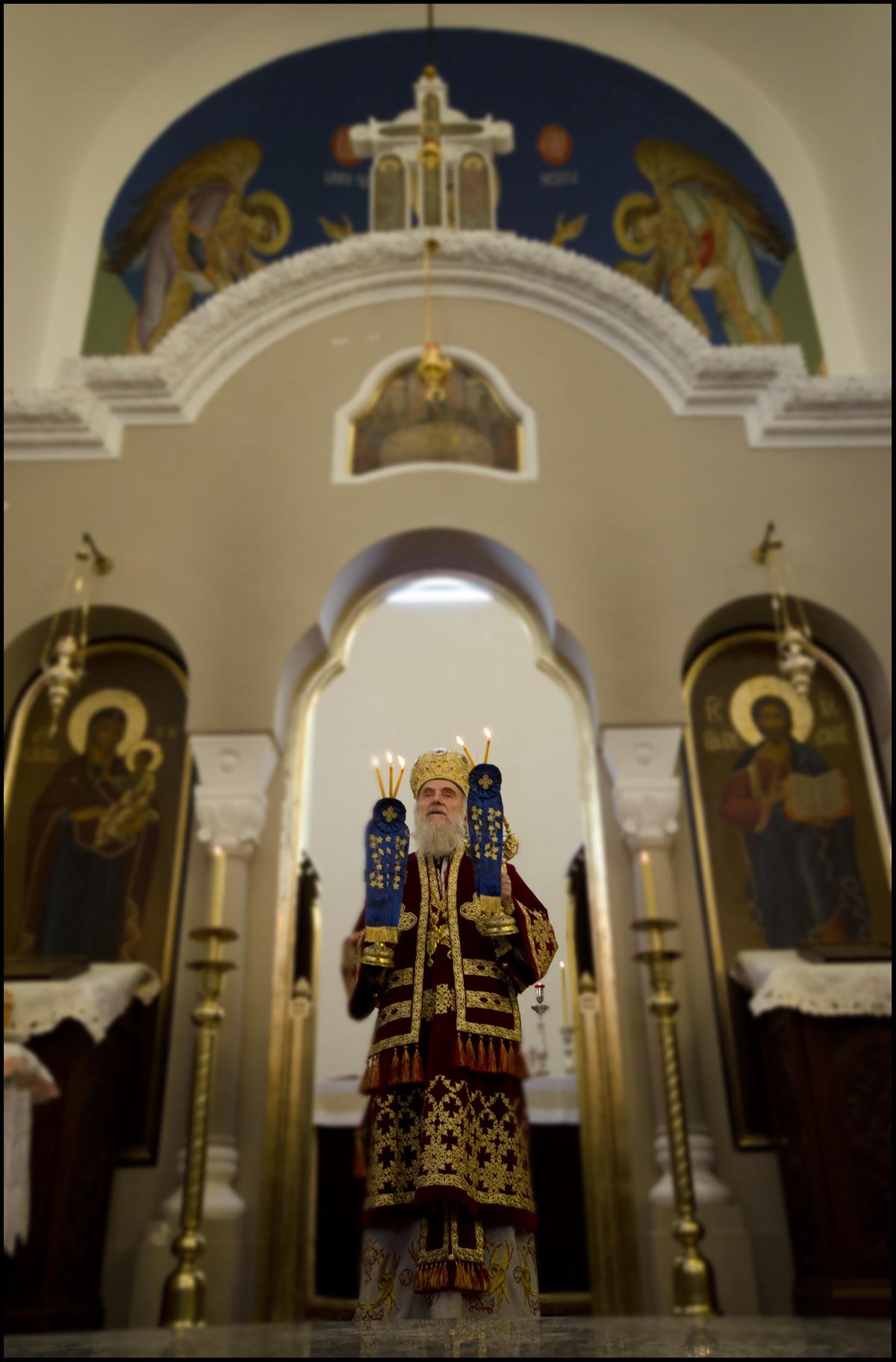 Патријарх српски Иринеј богослужиo у Ваведењу